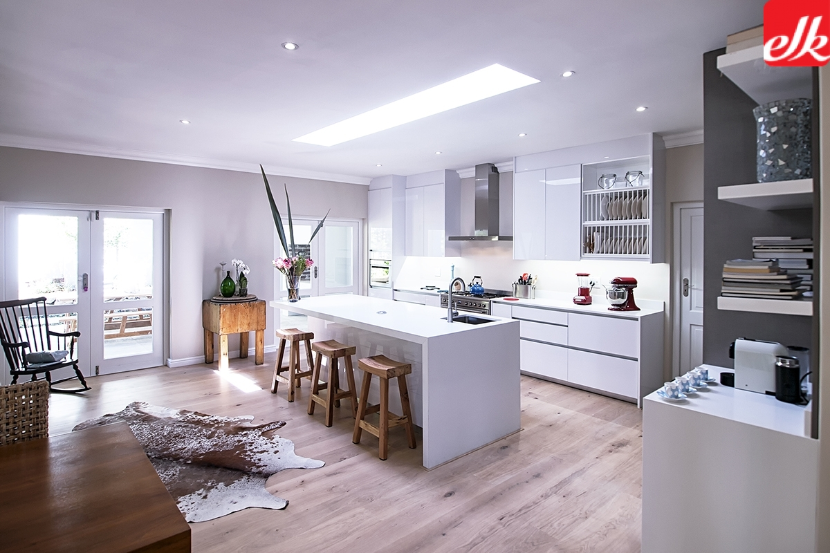 1610125 easylife kitchens for Kitchen designs east london south africa